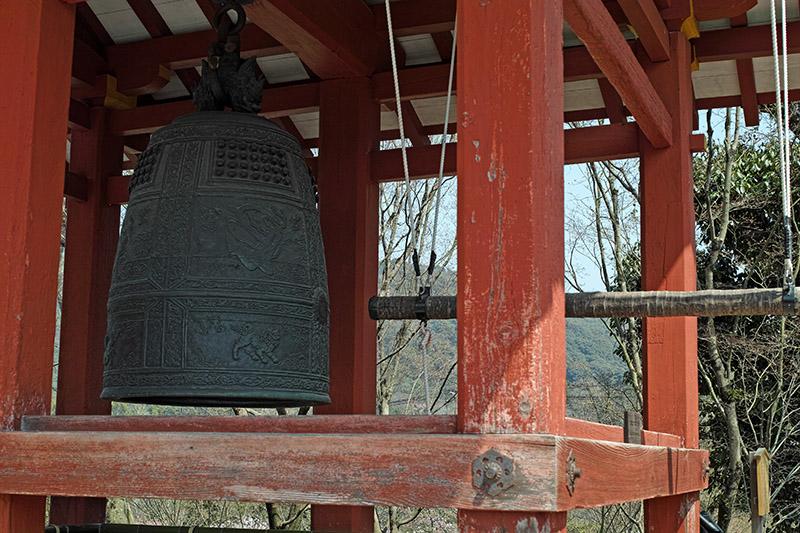 梵鐘には華麗な文様が施されており、日本三名鐘の中でも「姿、形の平等院」と謳われたという
