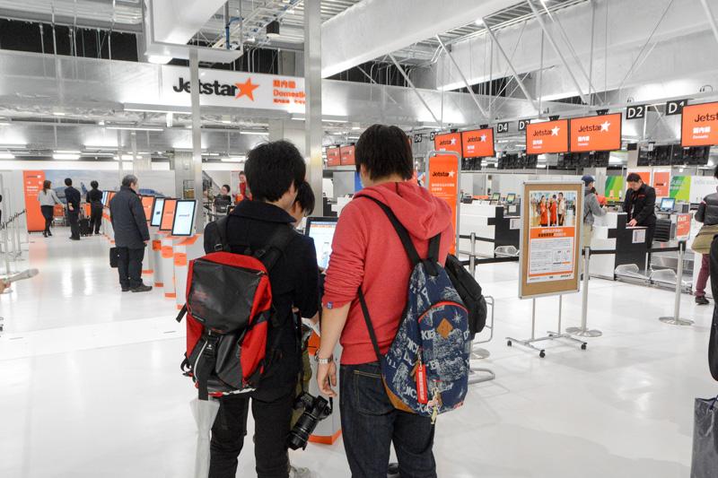 第3ターミナルで最初に搭乗手続きを開始したジェットスター国内線