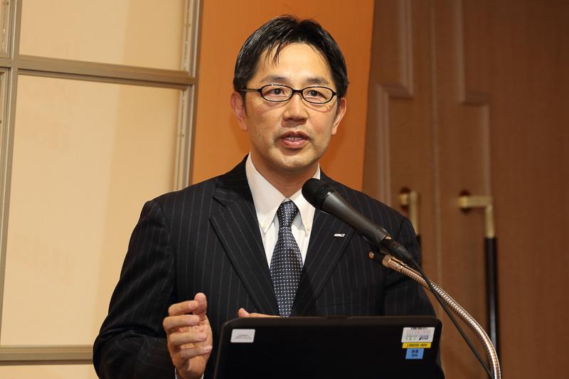 全日本空輸株式会社 商品戦略部 部長 岡 功士氏よりサービス向上におけるANAの取り組みと航空会社から見たシートについて説明をした
