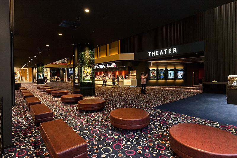 4階にある映画館「CINEMA RYCOM」。沖縄初の4Kプロジェクターを装備するスクリーンなど9スクリーンを用意。スクリーン数、設備とも本格的なシネマコンプレックス