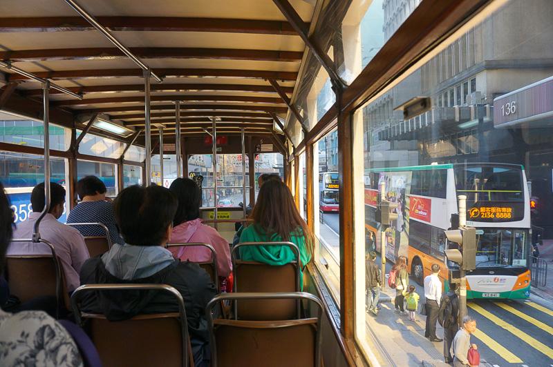 乗ってみるとなかなか快適、特に2階席は窓が開けられるので、今回旅をした4月は暑くなくて快適。MTRはもちろんのこと、バスよりも遅いので、日常の足にはあまり向いていないが、観光にはぴったりだ