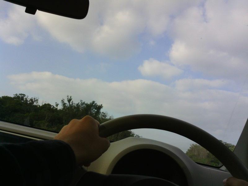 運転中にハンドルを握ったまま撮れるのも利点だが、そうそう狙って車外の風景を撮れるわけはなく、ハンドルやスピードメーターばかり写っていることもしばしば