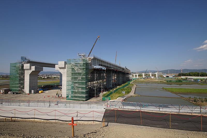 建設中の城陽JCT。京奈道路や国道24号との接続部分