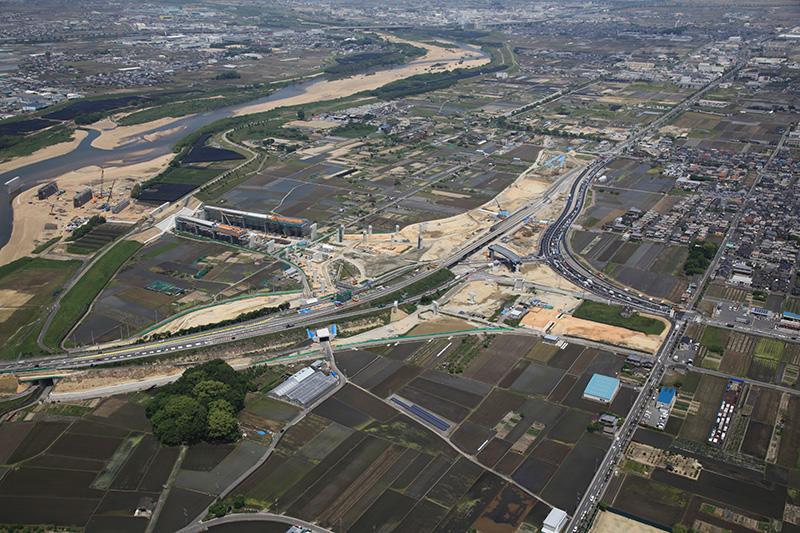 城陽JCTの航空写真。5月22日撮影。京都方面を見る