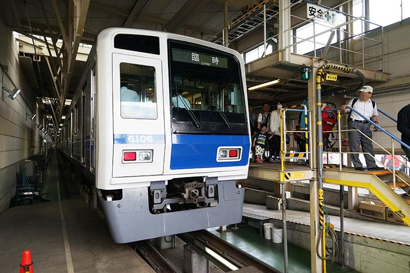 飯能発で検修場までの臨時電車は、検修場内に到着する