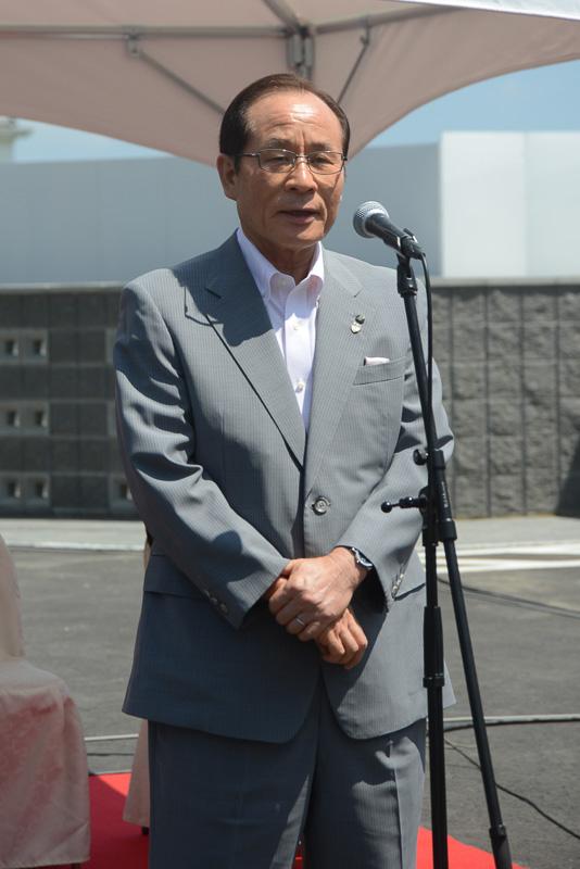 祝辞を述べる佐世保市長 朝長則男氏