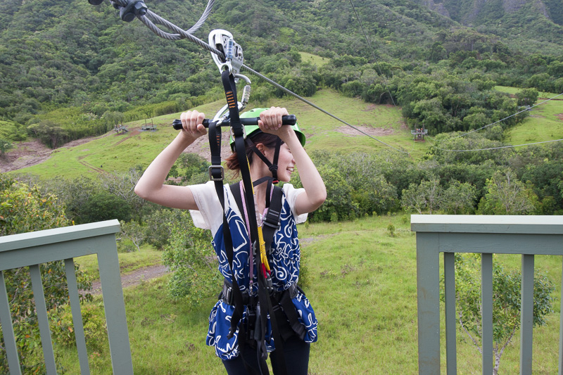 同行していたハワイ州観光局のスタッフもチャレンジ
