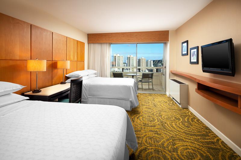 オーシャンフロントやパーシャルオーシャンビューなどシェラトン・ワイキキはワイキキビーチ沿いのホテルのため、ハワイらしい眺望の部屋が多数用意されている(写真提供:スターウッド ホテル&リゾート ワイキキ)
