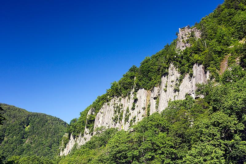 こちらの風景は天人峡。旭岳とあわせて訪れていただきたい