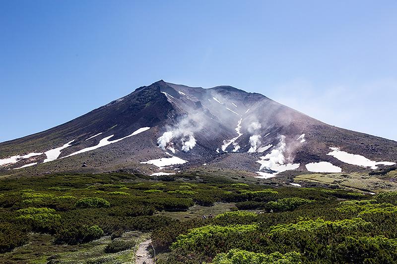 北海道の最高峰、旭岳。標高は2291m
