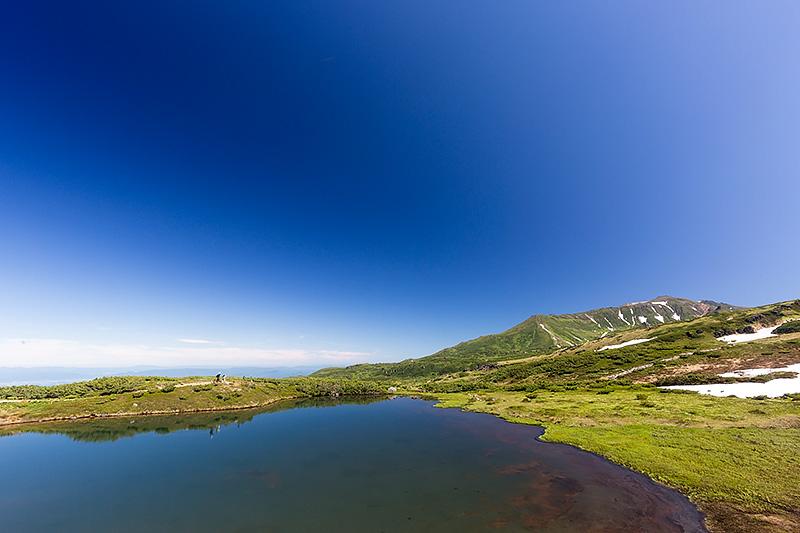 旭岳の左側(北側)を見たところ