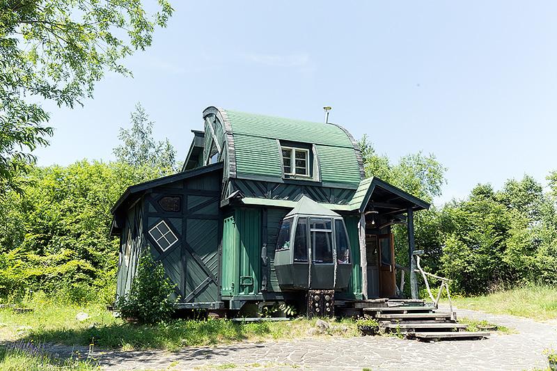 五郎が蛍と孫の快のために作っていたが、中畑木材の娘のすみえさんにプレゼントされることになった家