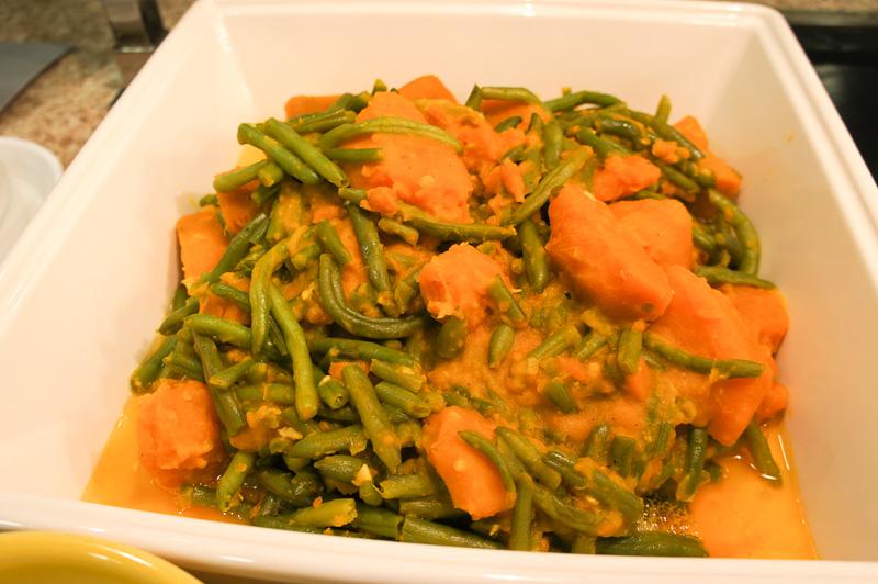 和食が充実しているのも特徴。かぼちゃの煮付け、漬物や茶そばなども