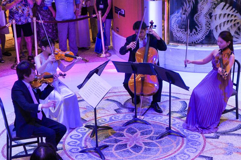 1946年に創立された日本を代表する交響楽団の演奏を身近で聴くことができるのもクルーズならでは