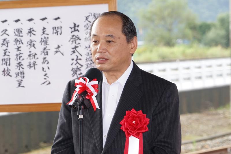 来賓として祝辞を述べる兵庫県但馬県民局 局長 岩根正氏