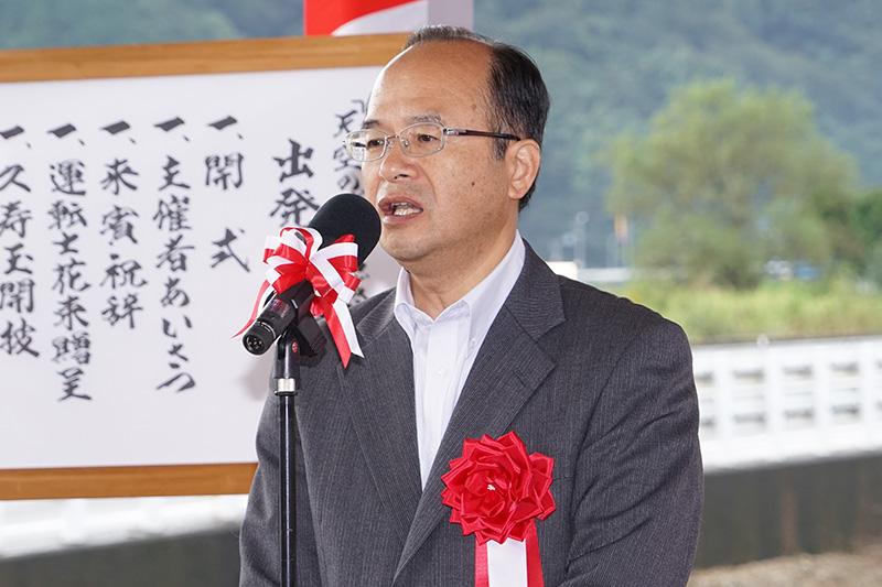 来賓として祝辞を述べる豊岡市 副市長 齋藤哲也氏