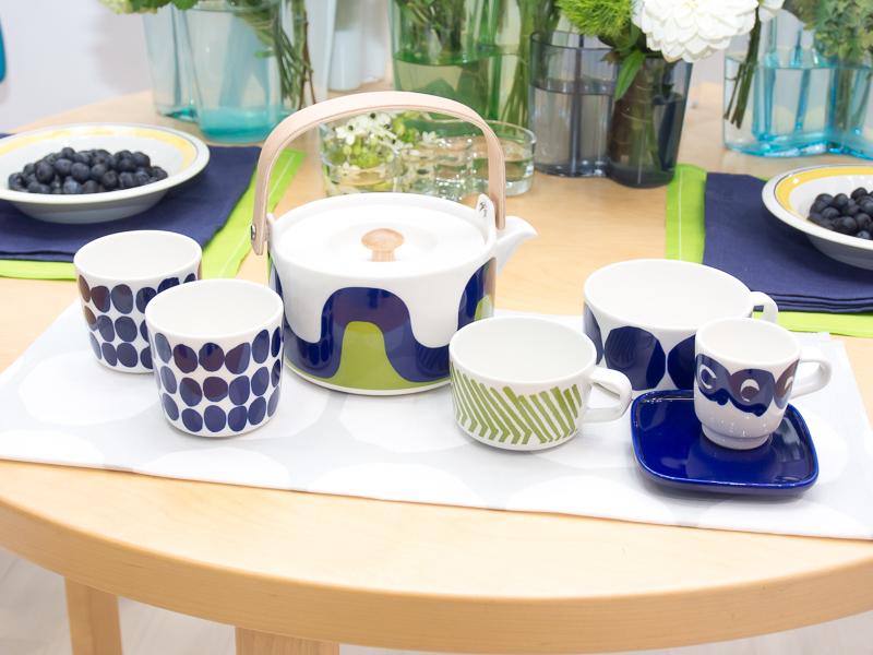 フィンエアーのビジネスクラスで使われている食器類などが展示