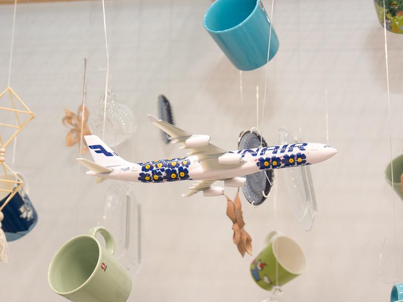マリメッコデザインのエアバス A340型機