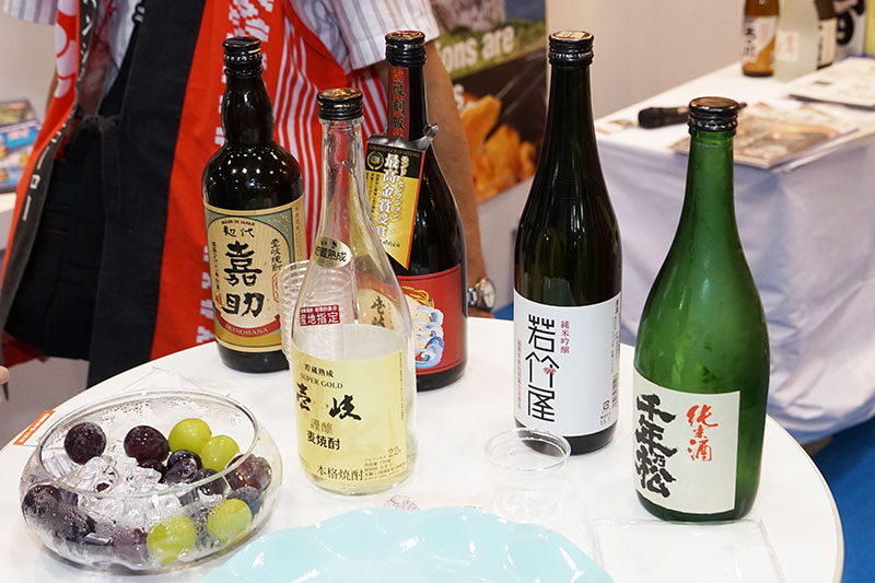 福岡周辺の地酒。焼酎や純米酒。ブドウも美味しい