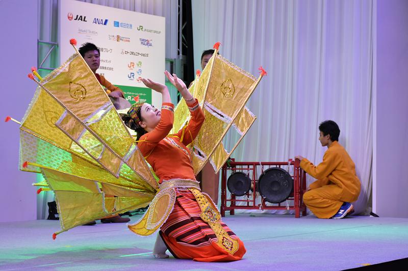 在日シャン民族文化協会メンバーによる雌のカナリアの踊り