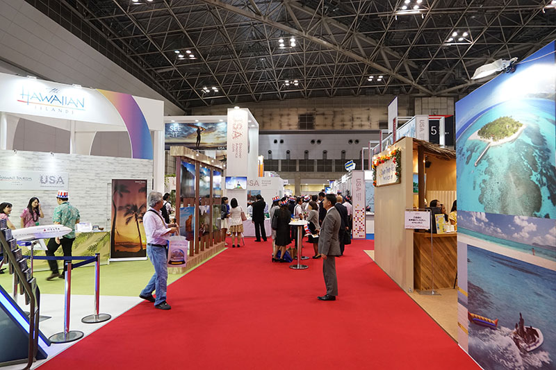 Brand USA Pavilionは広く中央に通りがある。その両側にブースが並ぶ作り