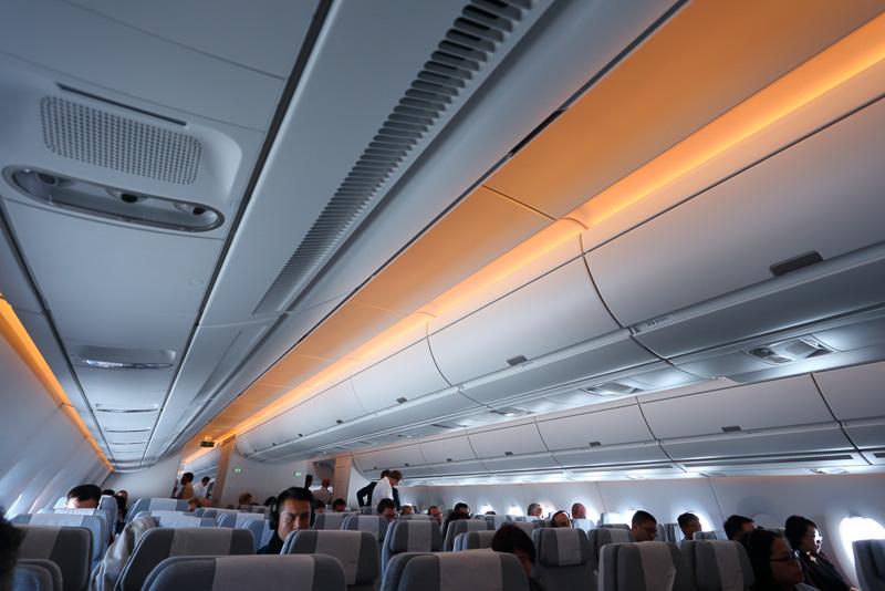 24通りのシナリオが用意されるフルカラーLEDを用いた室内照明