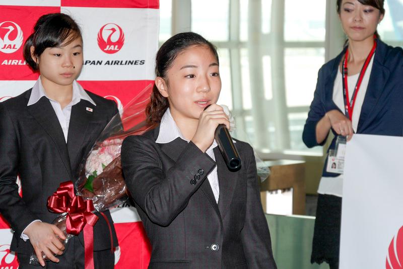 寺本選手は、「リオデジャネイロ・オリンピックの団体出場権をしっかり獲得して帰ってこられるよう頑張ります」と抱負を語った