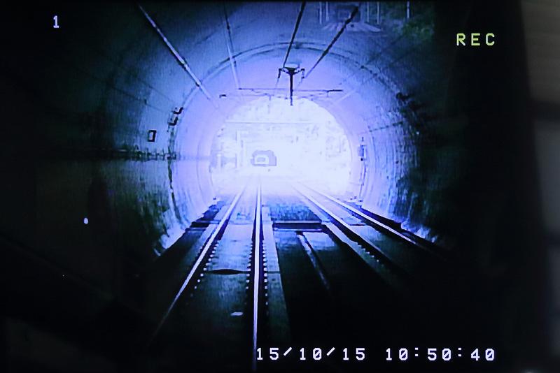 山や川、トンネルが多く一般の平地より無線の対応が難しい場所が試験区間に選ばれた