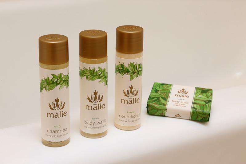 ハワイ産の植物を使ったMalie Organicsのスパ・アメニティを用意。コケエのよい香りが印象に残る