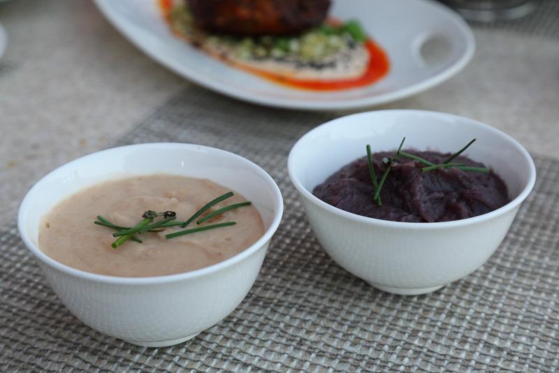 紫イモとタロイモのピューレで、ご飯代わりに注文できる。クセになる味だ