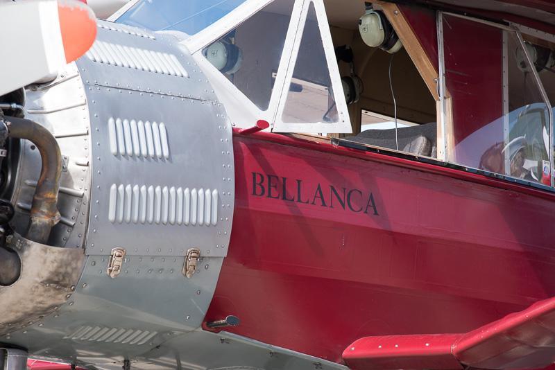 """機首まわりに""""BELLANCA""""と愛称が書かれていた"""