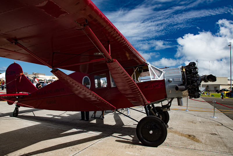 """カネオヘエアショーに展示されたハワイアン航空最初の旅客機""""ベランカ"""""""