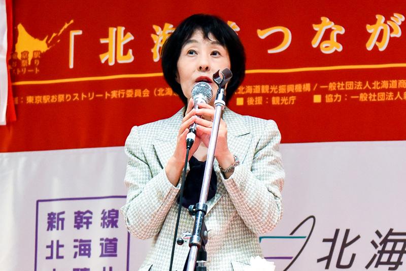 北海道知事 高橋はるみ氏。北海道新幹線における東京駅からの利便性をアピールした