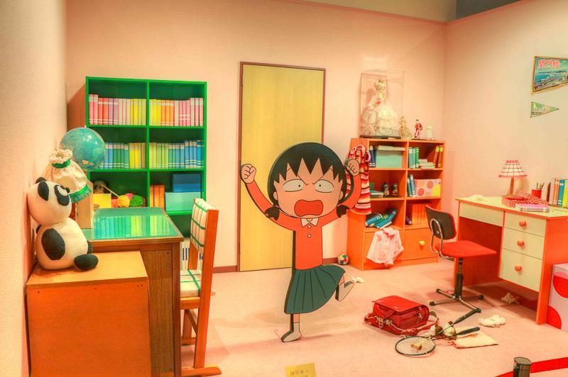 まる子の部屋を再現したコーナー。お姉ちゃんと相部屋