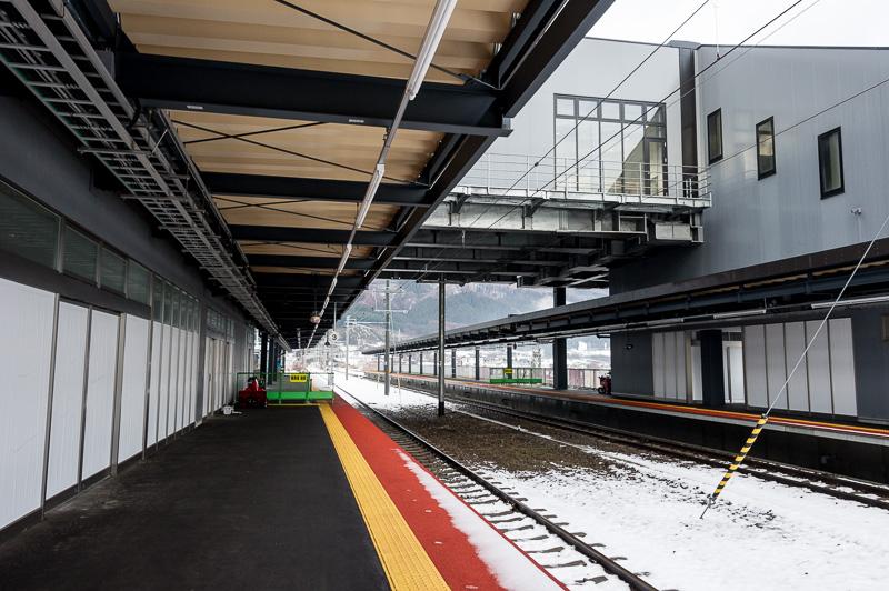 1番線・2番線ホームから札幌方向を望む