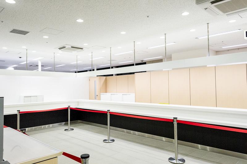 カウンターは3つ設けられる予定で、インバウンド対応として英語と中国語を話せるスタッフも常駐