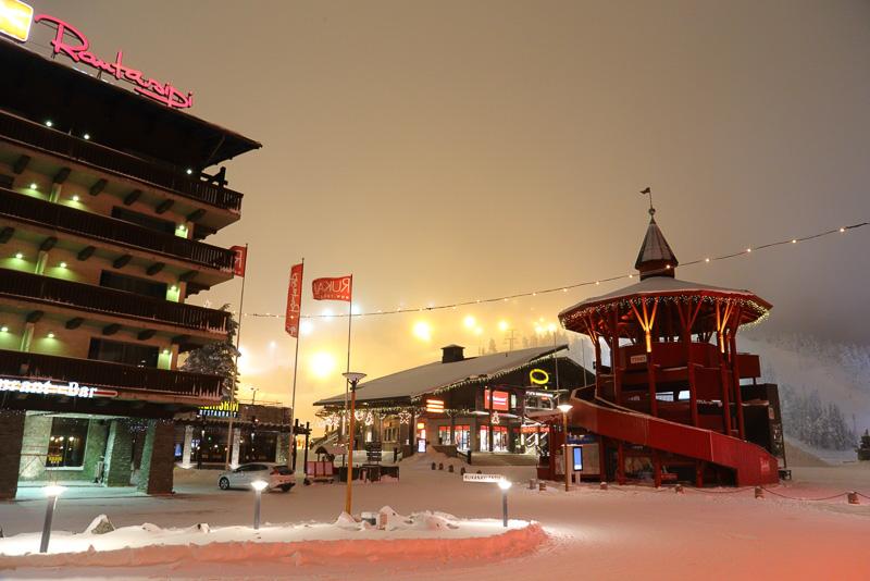 さまざまなスキーの国際大会も行なわれるリゾート地ルカ。ここが今回の旅の拠点となります