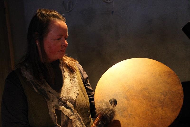 不思議な楽器の音色が眠気を誘うサウンド・セラピー