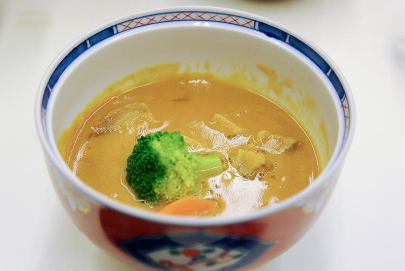 浜松はうなぎの町ということで食事にはうなぎのかば焼きも