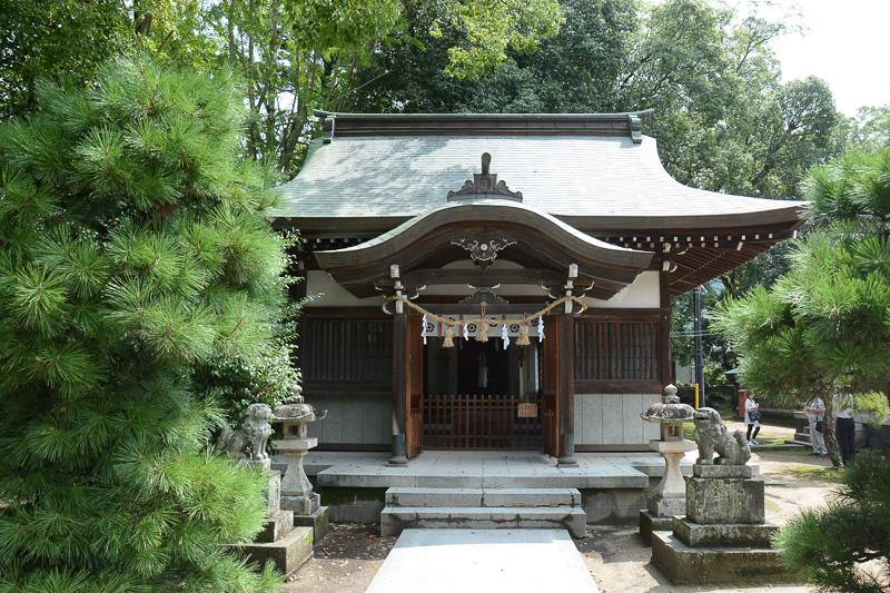 松陰門下生を祭った「松門神社」。今の社殿が建てられるまでは、この建物が松陰神社社殿だった