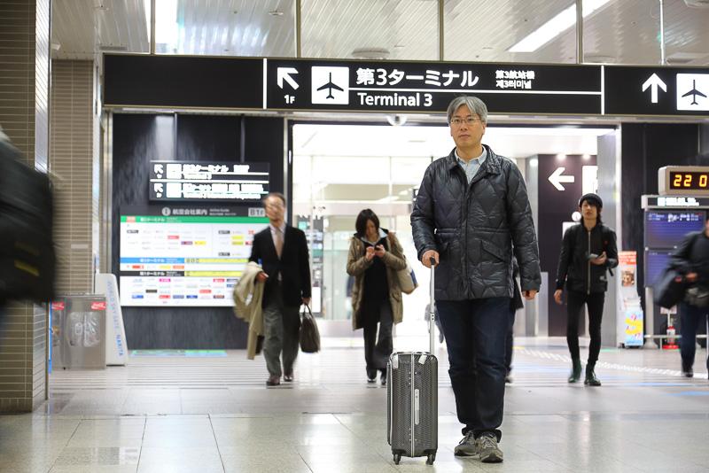 第3旅客ターミナルの国内線手荷物引渡場から空港第2ビル駅改札までの徒歩移動にかかった時間は12分53秒。22時10分に到着しても22時51分発のアクセス特急には十分に間に合う