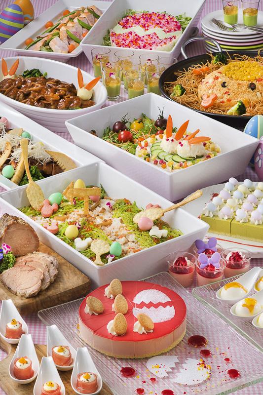 「クリスタルパレス・レストラン」のエッグレースやタマゴ、うさぎをモチーフにしたカラフルなメニューがスペシャルブッフェ(3090円)