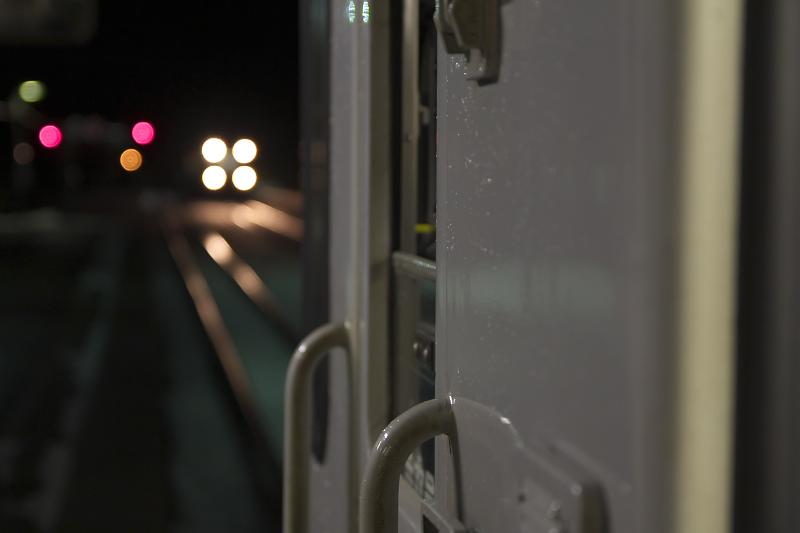 「山線」は単線のため、途中駅で列車の行き違いがある。隣にラッセル車(除雪車)がやってきたときは驚いた