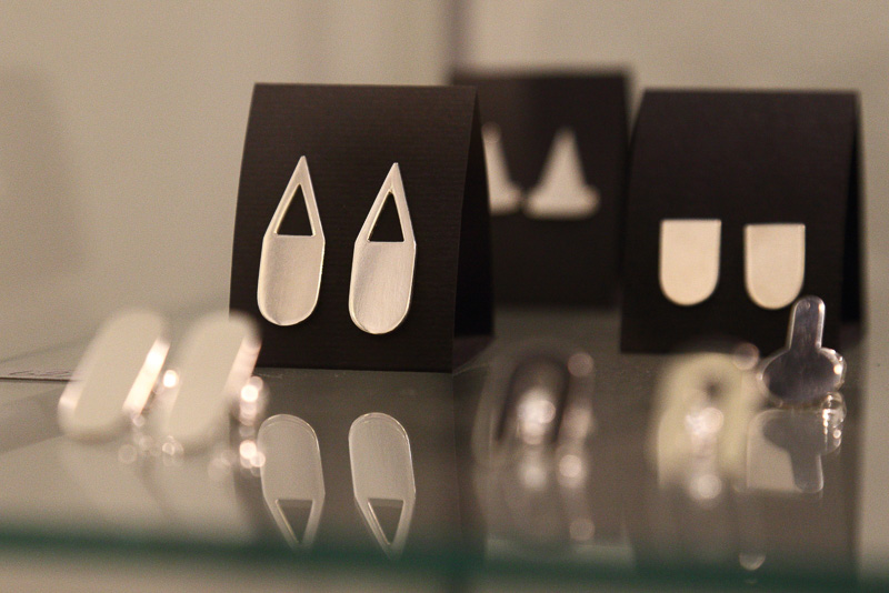シンプルな造形のなかにフィンランドデザインの伝統と新しさが同居しているような感じもします