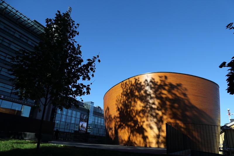 カンピ礼拝堂。2012年に完成したフィンランド木造建築による新しい礼拝堂です