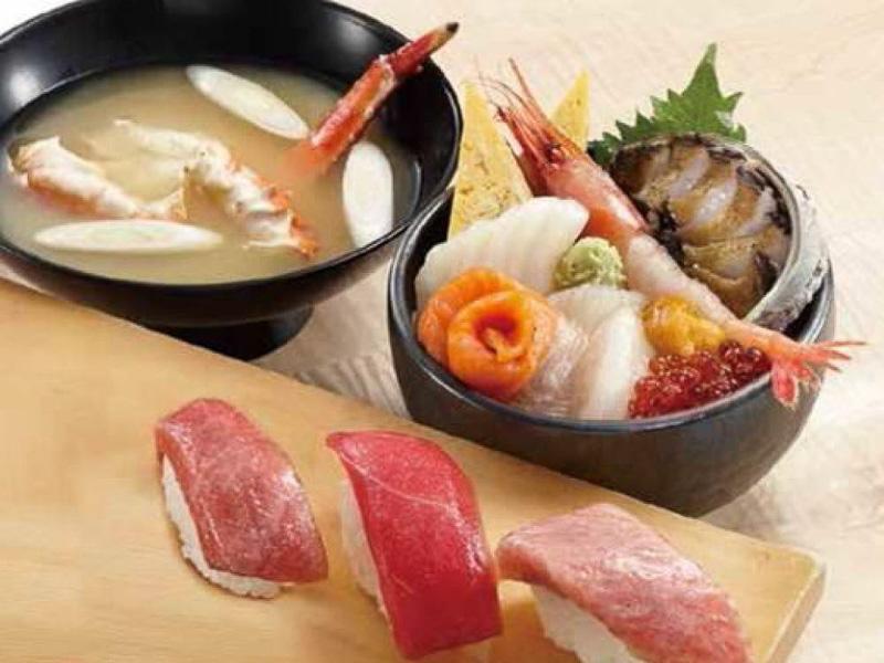 「おたる巽鮨」戸井産本マグロにぎり食べ比べ豪華海鮮丼セット