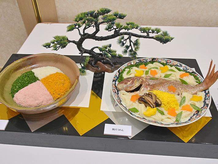 4食に彩られた鉢盛料理の「ふくめん」(左)と、昔から祝いの席で振る舞われている鯛そうめん(右)