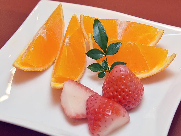 ゼリーのような甘く滑らかな食感の「紅まどんな」と、甘さと酸味のバランスがいい「紅い雫」