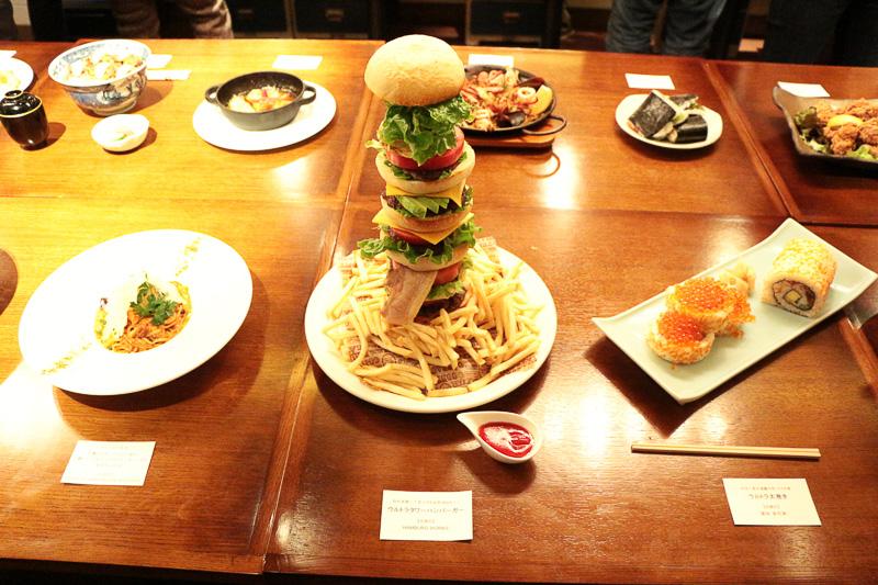HAMBURG WORKSの「ウルトラタワーハンバーガー」(4600円)