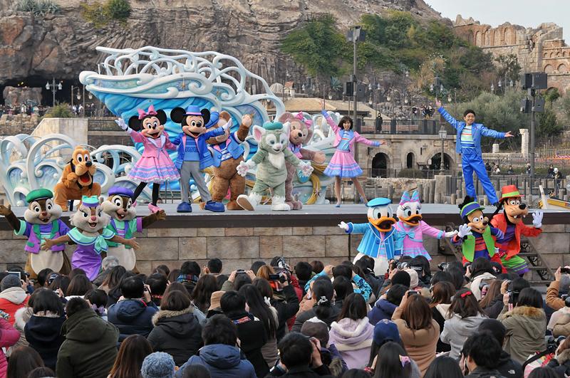 ディズニーの仲間たちは、ゲストと仲良くなれたことを喜ぶ
